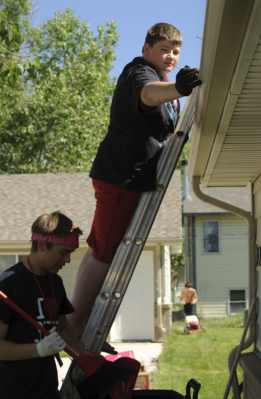 Students worked on a Habitat for Humanity project to fulfill a community service requirement during a previous Summer High School Institute at the University of Wyoming. This year's institute will take place June 8-28. (UW Photo)