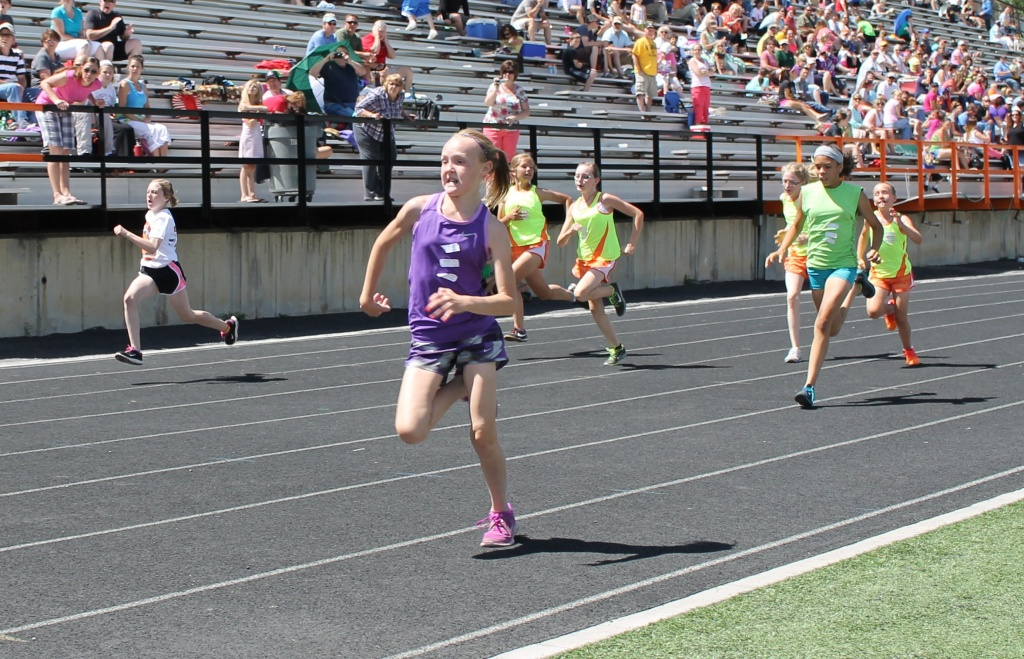 Runners in a previous meet. Photo provided by Lander Parks and Recreation Department.