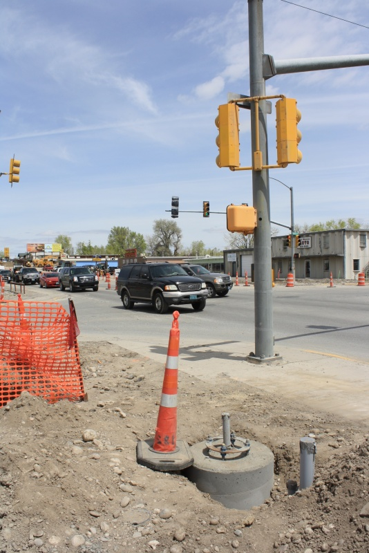 The intersection at South Federal and East Monroe now sports new traffic signals. East Monroe east of South Federal will be closed on Monday to begin reconstruction of that street. (Ernie Over photo)