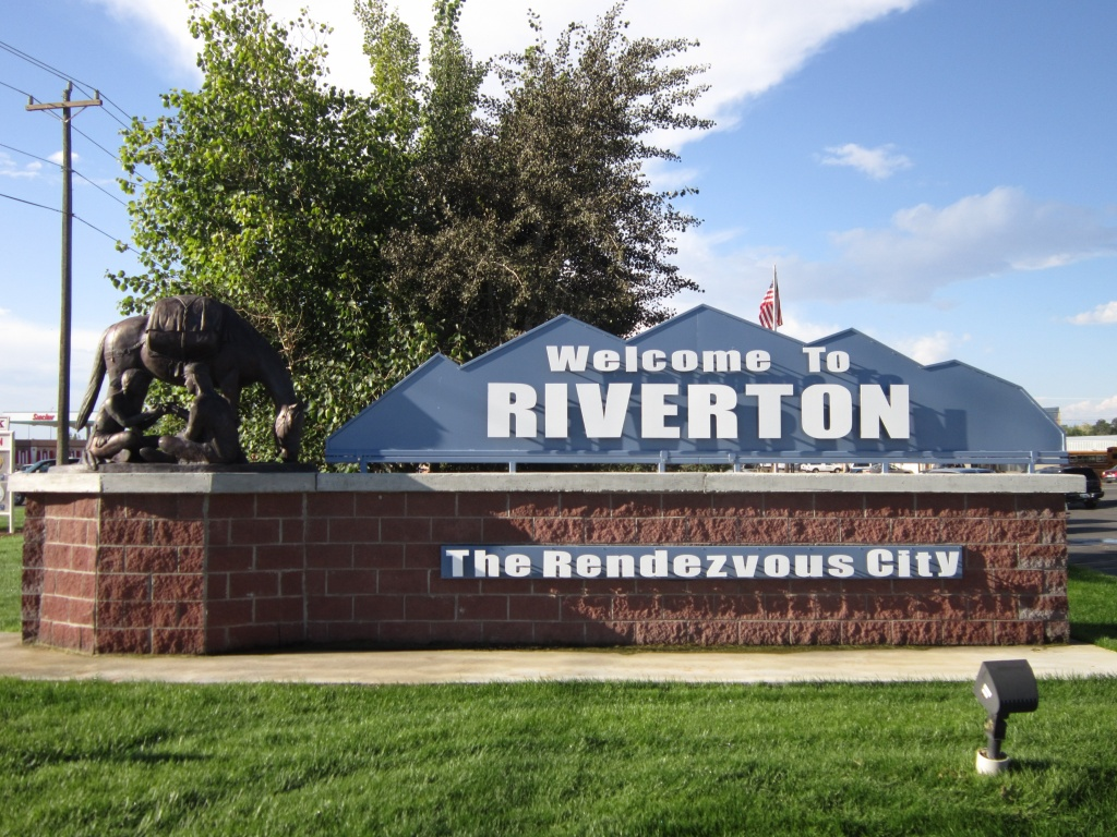 Riverton Welcome sign