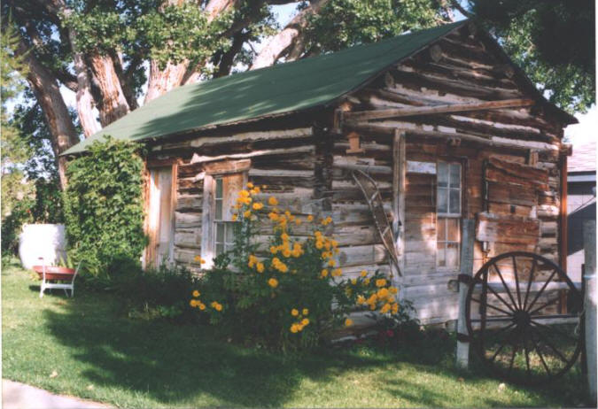 The Hornecker cabin. (from the collection of Jean Mathisen Haugen)