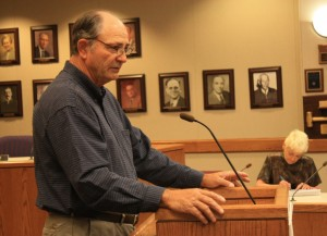 Butch Cranford opened the Riverton meeting. (EO)