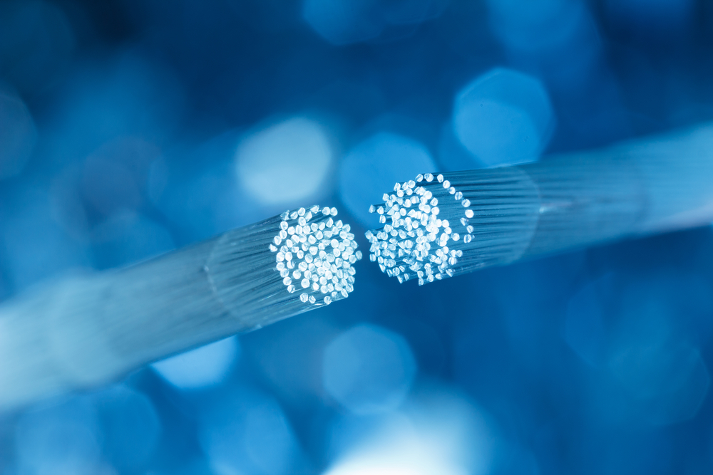 Fiber optic cable. Sukharevskyy Dmytro (nevodka)/Shutterstock