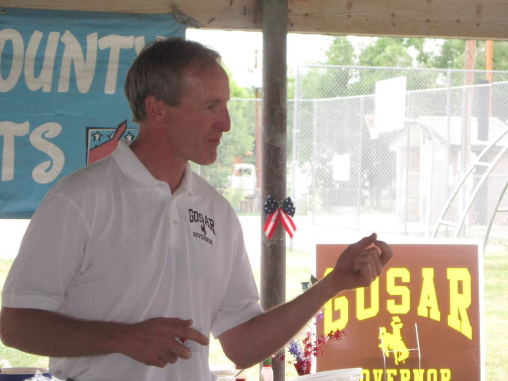 Pete Gosar, Democratic candidate for Wyoming Governor, keynoted the Fremont County Democrats picnic Sunday in Hudson. (Ernie Over photo)