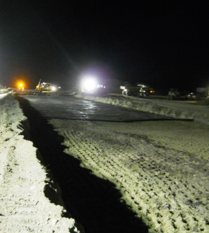 Night work on the Diversion Dam Project north of Fort Washakie on Highway 26/287. (WYDOT)