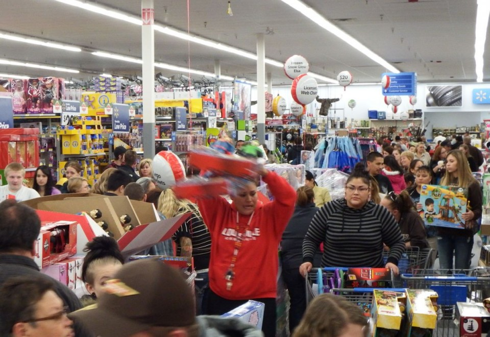 People rushed to fill their carts when the hour hit 6 p.m. Thursday night at Walmart in Riverton, but then they found there was so much traffic they were stuck in place.