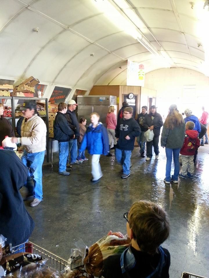 The Barn Bums 4H Club helped out this holiday season at the Christian Food Storehouse in Riverton. (Lyndsay Brow photo)